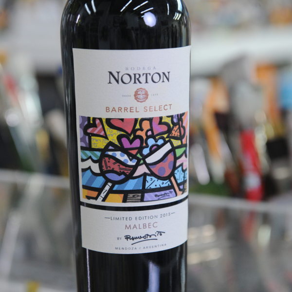 argentinian-winery-bodega-norton-partners-with-pop-artist-romero-britto