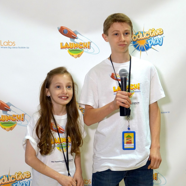 new-jersey-sibling-young-entrepreneurs-exhibiting-their-award-winning-product